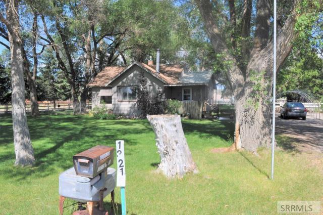 13215 S 1st E, Idaho Falls, ID 83404 (MLS #2123242) :: The Perfect Home