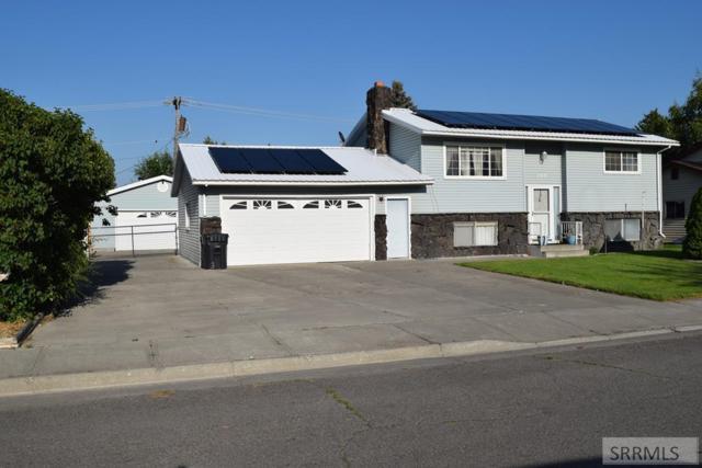 700 Neptune Drive, Idaho Falls, ID 83402 (MLS #2123847) :: The Group Real Estate