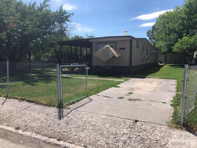 270 Wilson Drive, Idaho Falls, ID 83401 (MLS #2123991) :: Team One Group Real Estate
