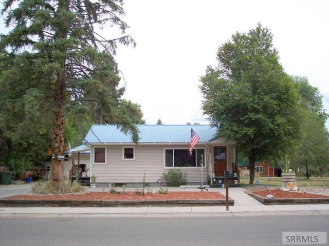 902 Shoup Street, Salmon, ID 83467 (MLS #2124084) :: The Perfect Home