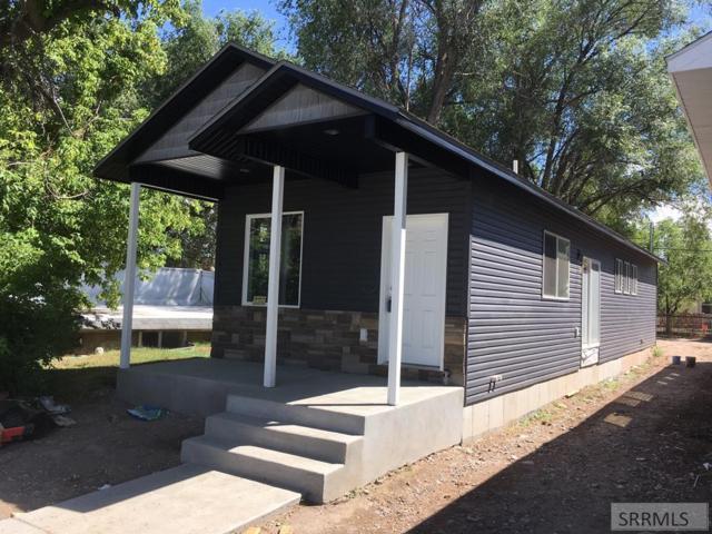 336 Lomax Street, Idaho Falls, ID 83401 (MLS #2124117) :: Team One Group Real Estate