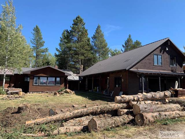 3322 Last Chance Drive, Island Park, ID 83429 (MLS #2124970) :: Team One Group Real Estate