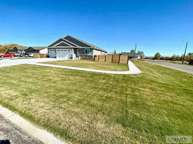 1554 Richland Circle, Idaho Falls, ID 83404 (MLS #2125701) :: Silvercreek Realty Group