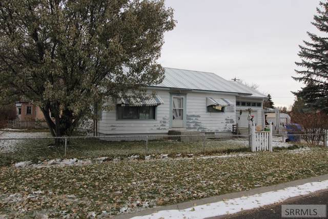 350 N 9th W, St Anthony, ID 83445 (MLS #2125936) :: The Perfect Home