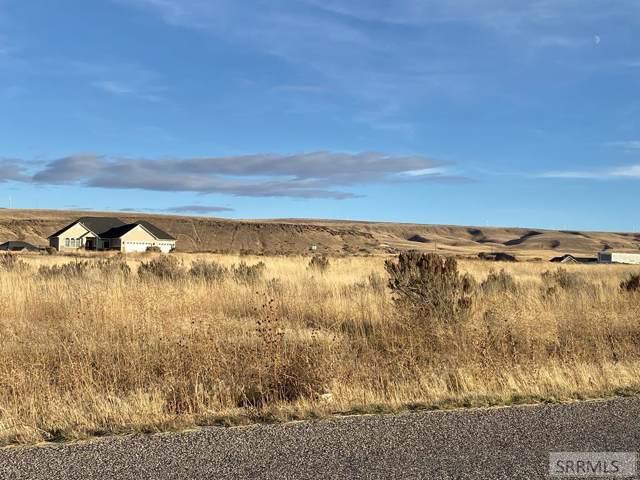 8455 S Black Hawk Drive, Idaho Falls, ID 83406 (MLS #2126056) :: The Perfect Home