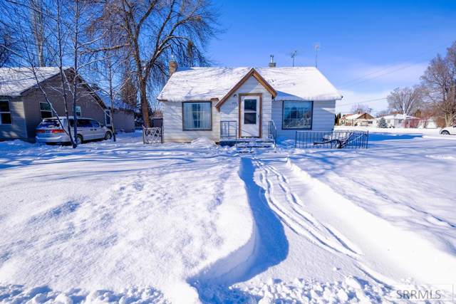 406 S Holmes Avenue, Shelley, ID 83274 (MLS #2126738) :: Team One Group Real Estate