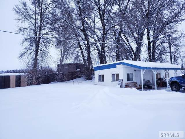 2459 E Yellowstone Hwy, St Anthony, ID 83445 (MLS #2126752) :: Team One Group Real Estate