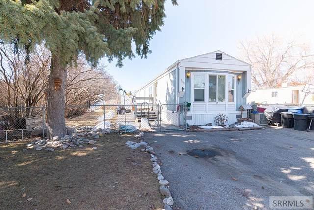 3600 S Pauline Avenue, Idaho Falls, ID 83402 (MLS #2127916) :: Team One Group Real Estate