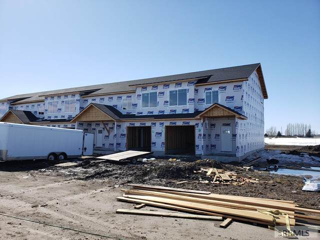 472 S 3rd W #472, Sugar City, ID 83448 (MLS #2127919) :: Team One Group Real Estate