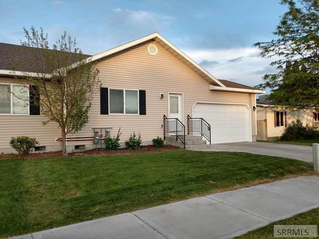 115 S 4th Avenue, Rexburg, ID 83440 (MLS #2127953) :: Team One Group Real Estate
