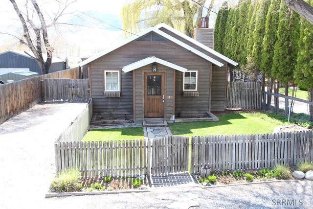 811 W College Street, Mackay, ID 83251 (MLS #2129024) :: Team One Group Real Estate