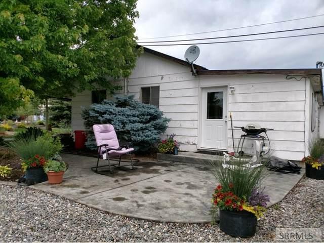 8 Goodman Lane, Salmon, ID 83467 (MLS #2130431) :: Silvercreek Realty Group