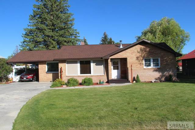 407 S Park Avenue, Mackay, ID 83251 (MLS #2130621) :: The Group Real Estate