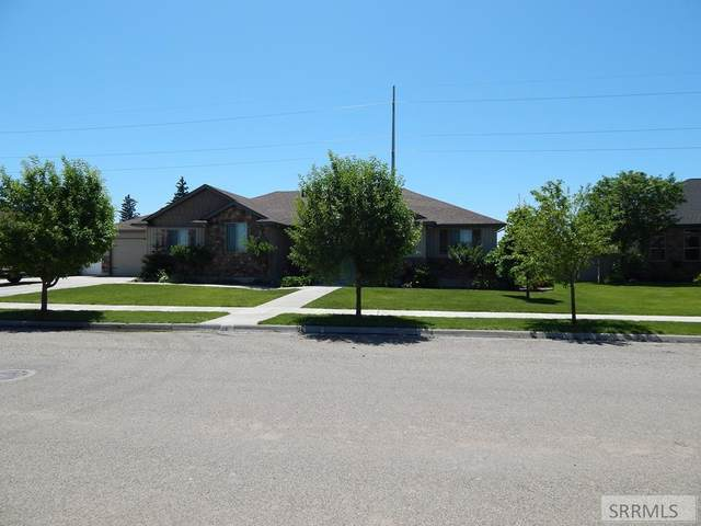 3396 E Greenwillow Lane, Ammon, ID 83401 (MLS #2130678) :: Team One Group Real Estate