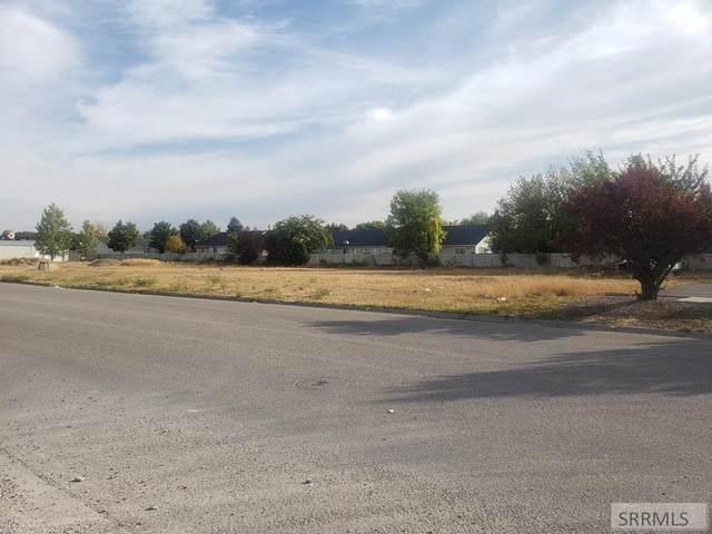 3031 Mcneil Drive, Idaho Falls, ID 83404 (MLS #2132469) :: Silvercreek Realty Group