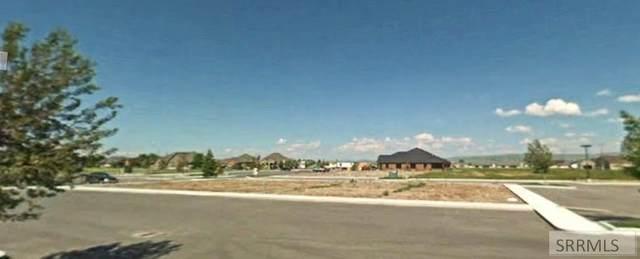 1570 Elk Creek Drive, Idaho Falls, ID 83404 (MLS #2132884) :: The Perfect Home