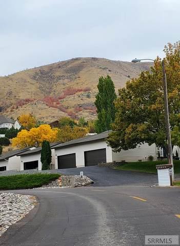 36 Cedar Hills Drive, Pocatello, ID 83204 (MLS #2132911) :: The Perfect Home