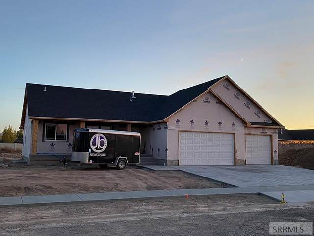 4932 Luxor Drive, Ammon, ID 83406 (MLS #2132942) :: Team One Group Real Estate
