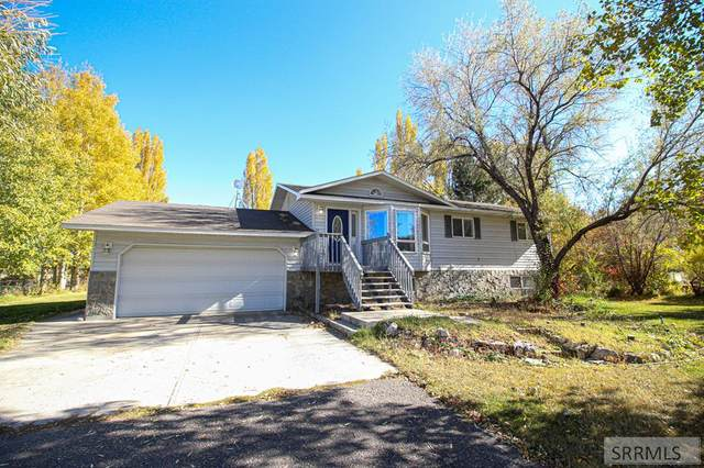 3042 S 2810 W, Rexburg, ID 83440 (MLS #2133007) :: The Perfect Home