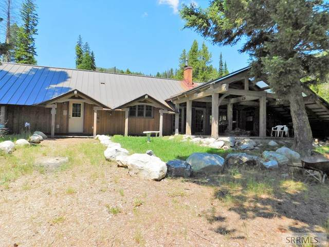 3983 N Hwy 93, GIBBONSVILLE, ID 83463 (MLS #2134115) :: The Perfect Home