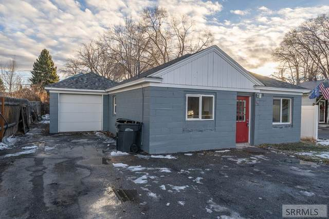 732 12th Street, Idaho Falls, ID 83404 (MLS #2134151) :: Team One Group Real Estate