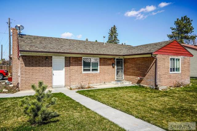 201 Sunset Drive, Idaho Falls, ID 83402 (MLS #2135585) :: Team One Group Real Estate