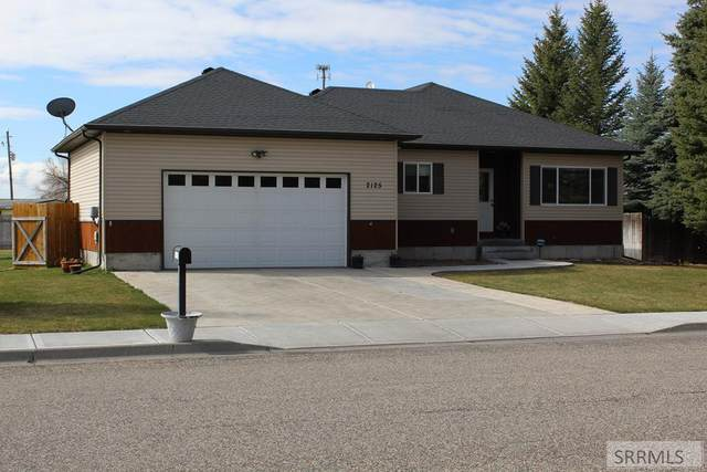 2125 W Saddle Lane, Idaho Falls, ID 83402 (MLS #2135790) :: The Perfect Home