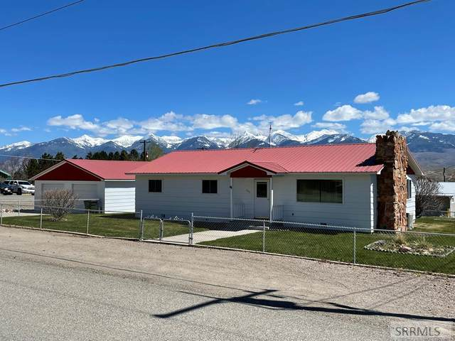 405 9th Street, Salmon, ID 83467 (MLS #2136147) :: The Perfect Home