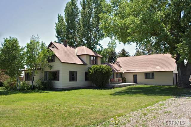 8877 N 45th E, Idaho Falls, ID 83401 (MLS #2137041) :: The Perfect Home