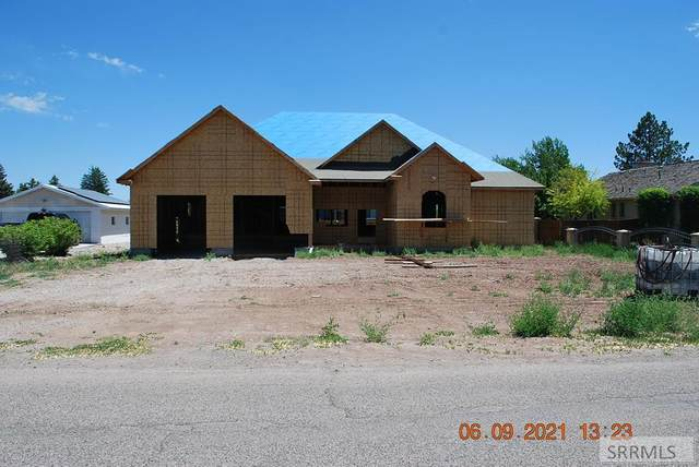 3215 Western Avenue, Ammon, ID 83406 (MLS #2137139) :: The Perfect Home