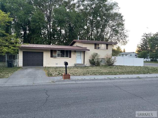 548 Foster Drive, Idaho Falls, ID 83402 (MLS #2137260) :: The Perfect Home