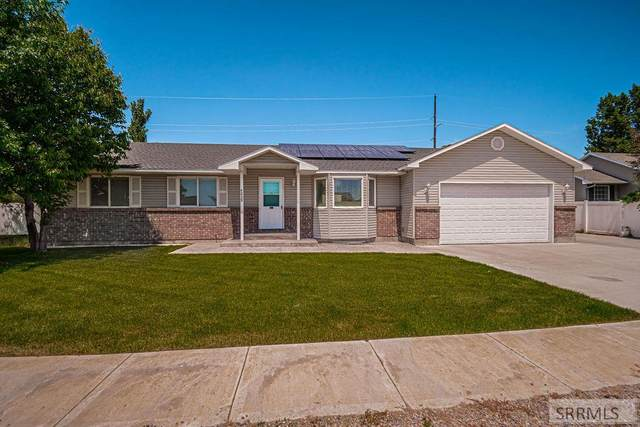 4239 Smithfield Way, Idaho Falls, ID 83401 (MLS #2137280) :: Team One Group Real Estate