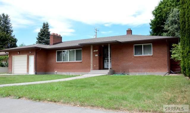 935 Safstrom Drive, Idaho Falls, ID 83401 (MLS #2137727) :: Team One Group Real Estate