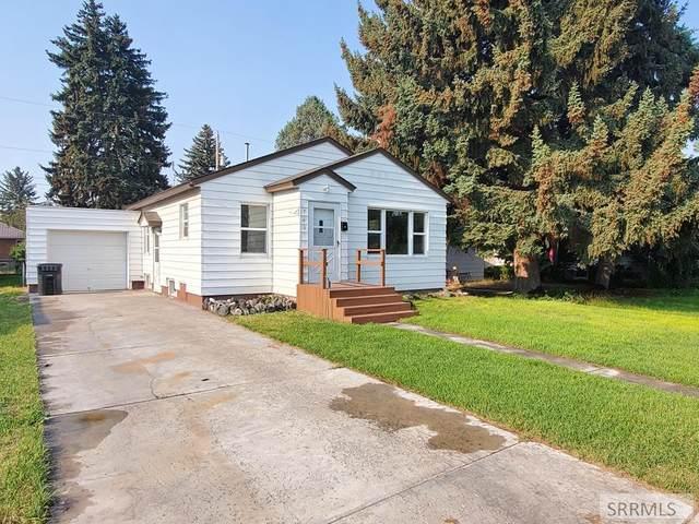 740 10th Street, Idaho Falls, ID 83404 (MLS #2138157) :: Team One Group Real Estate