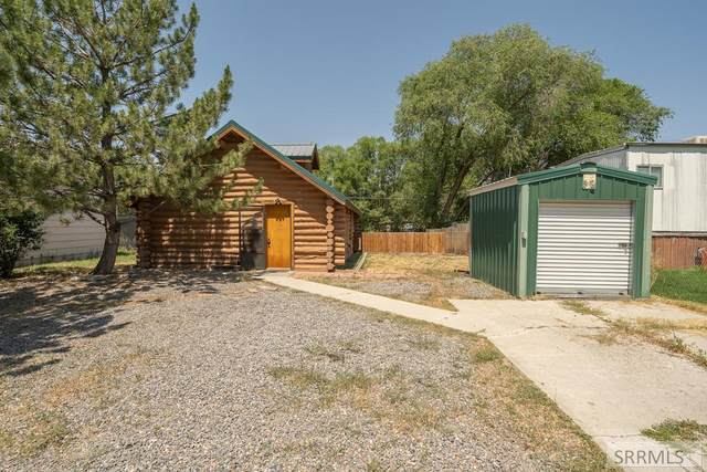 827 W 2 S, St Anthony, ID 83445 (MLS #2138268) :: The Perfect Home
