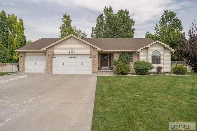 2537 S Stafford Circle, Ammon, ID 83406 (MLS #2138293) :: Team One Group Real Estate