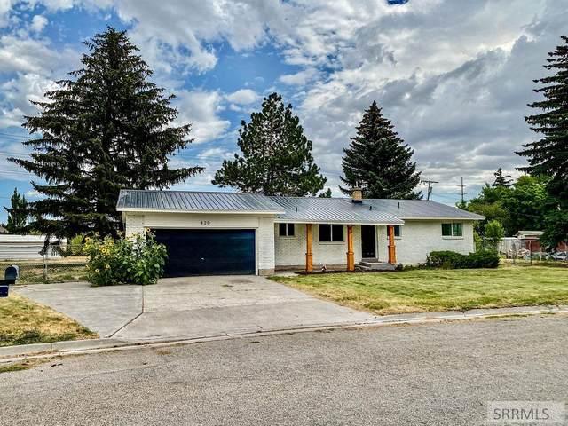 820 Bergeson Drive, Idaho Falls, ID 83401 (MLS #2138381) :: The Perfect Home