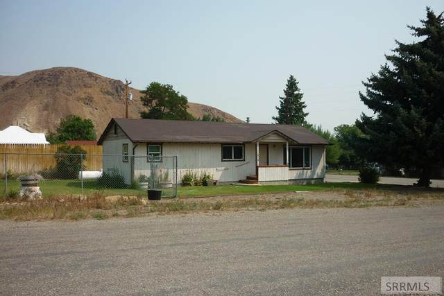 240 E Valley Avenue, Challis, ID 83226 (MLS #2138447) :: Team One Group Real Estate