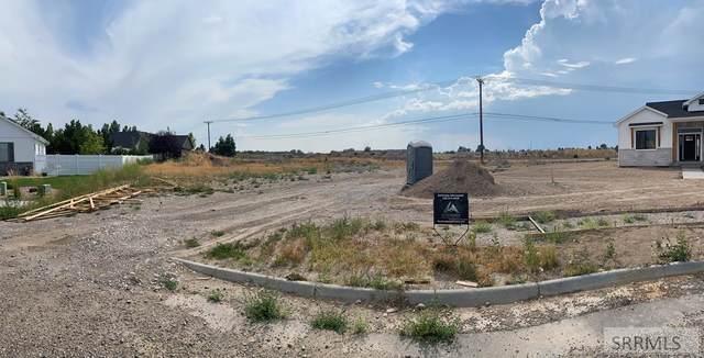2008 Mikayla Lane, Idaho Falls, ID 83404 (MLS #2139044) :: Team One Group Real Estate