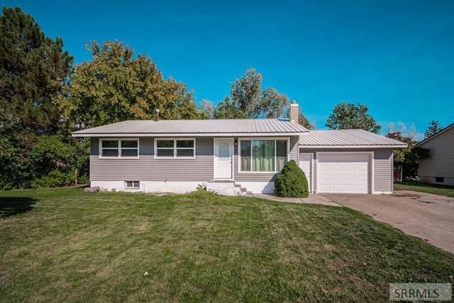 3055 S Geneva Drive, Ammon, ID 83406 (MLS #2139801) :: Team One Group Real Estate