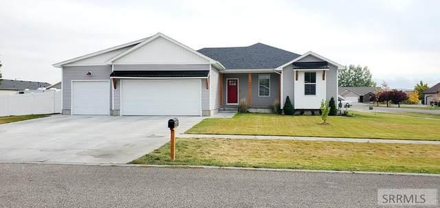 3044 N Midnight Blue Drive, Idaho Falls, ID 83401 (MLS #2140170) :: Team One Group Real Estate