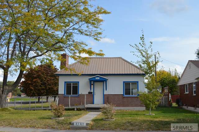 2101 S Emerson Avenue, Idaho Falls, ID 83404 (MLS #2140177) :: Team One Group Real Estate