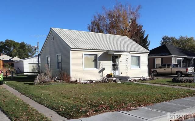 175 E Crowley Street, Idaho Falls, ID 83402 (MLS #2140387) :: Team One Group Real Estate
