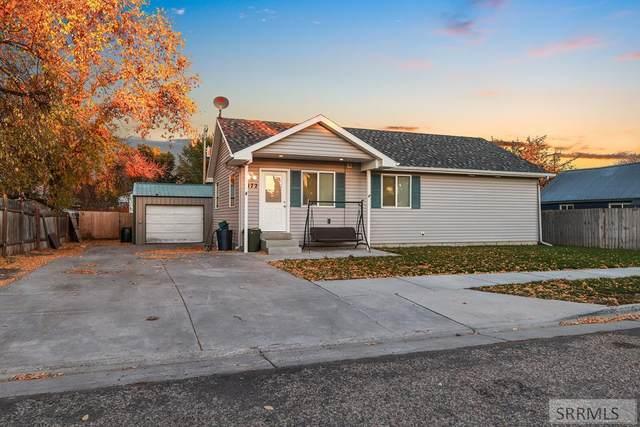 1172 Canyon Avenue, Idaho Falls, ID 83402 (MLS #2140435) :: The Perfect Home
