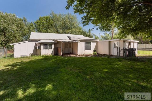 1042 Blaine Avenue, Idaho Falls, ID 83402 (MLS #2122478) :: Team One Group Real Estate