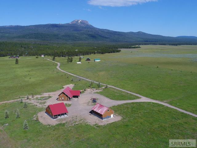 4078 Sawtelle Way, Island Park, ID 83429 (MLS #2123243) :: The Perfect Home