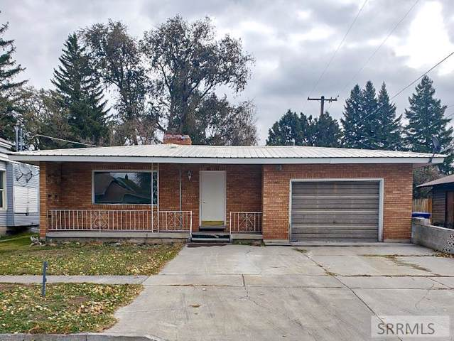 200 N 3rd E, St Anthony, ID 83445 (MLS #2125532) :: Silvercreek Realty Group
