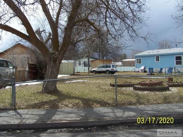 3606 E Crawford, Idaho Falls, ID 83401 (MLS #2127842) :: The Perfect Home