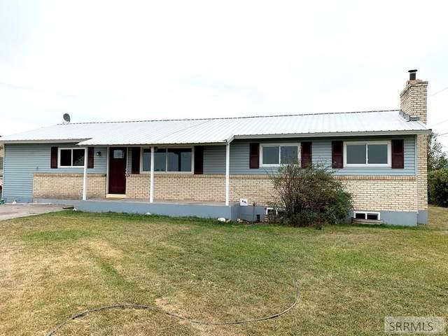 2864 E 97 N, Idaho Falls, ID 83401 (MLS #2132896) :: The Perfect Home