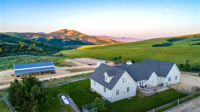 10280 N Meadows, Pocatello, ID 83204 (MLS #2109650) :: The Perfect Home-Five Doors